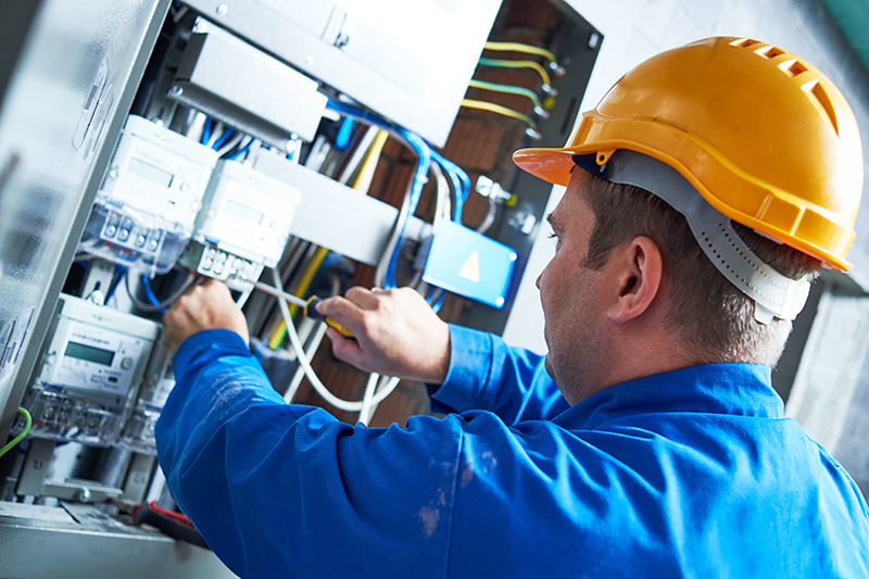 Become An Electrician in Cheltenham Gloucestershire